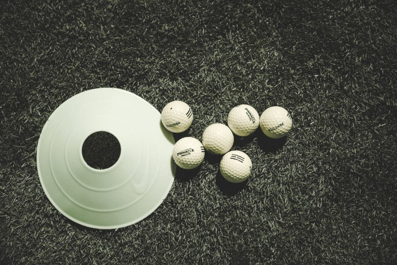 a picture describe the Best Practice Golf Balls