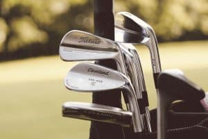 a picture that show the super game improvement irons for golfers