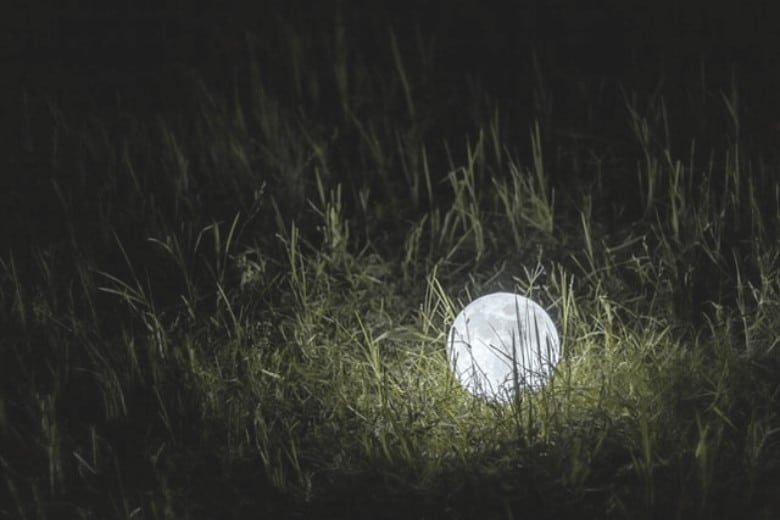 Two Main Types Of Glow In The Dark Golf Balls